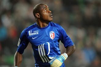 PSG 1-0 Lille: Enyeama fails to stop Cavani