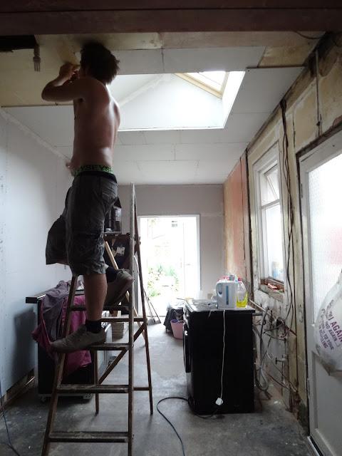 fitting plasterboard around roof window