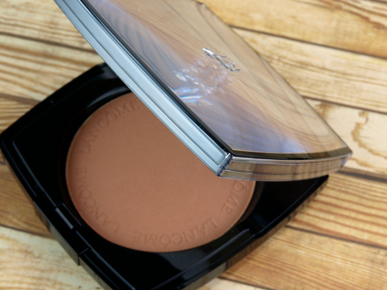 4866b547f Lancome Belle de Teint Natural Healthy Glow Sheer Blurring Powder in ...
