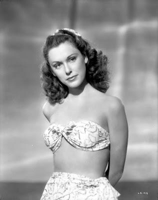 http://damsellover.tumblr.com/post/107262728669/linda-stirling-1940s