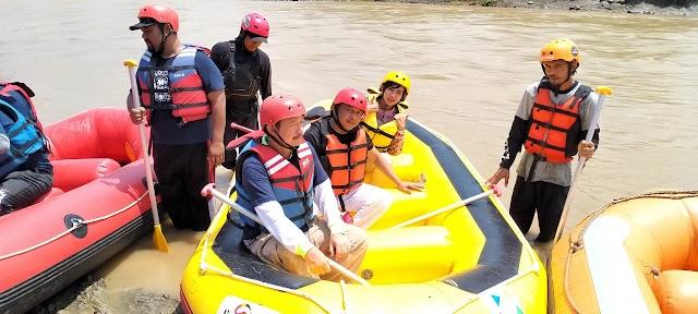 Ratusan Peserta Ikuti Fun Rafting di Subang
