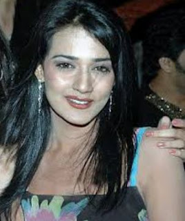 Neha Jhulka Family Husband Son Daughter Father Mother Marriage Photos Biography Profile.