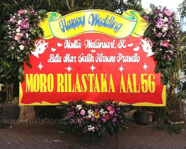 toko-bunga-sidoarjo-jual-bunga-papan-untuk-pernikahan