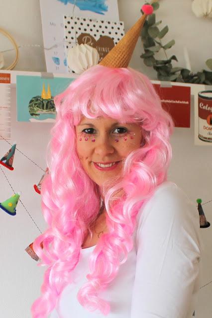 Schminke Strasssteine DIY Eis Kostuem Karneval Eiscreme selbermachen Jules kleines Freudenhaus