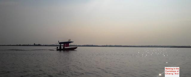 Han Kumphawapi Lake - Udon Thani Thailand