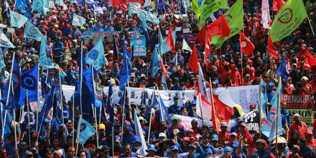 Ironis, Refleksi May Day,Buruh Lokal vs Buruh Ilegal Asal China