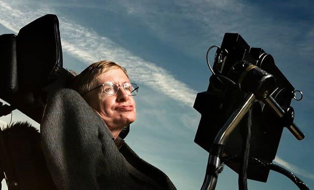 Morto l'astrofisico Stephen Hawking, il saluto di Zoe Saldana