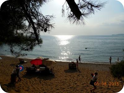 nisip rosiatic la Salonikios