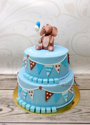 tort na chrzest ze słoniem