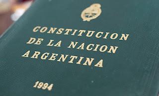 Pequeño recordatorio de la constitución nacional y la deuda externa