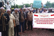 Kadin Aceh Demo Di DPRA