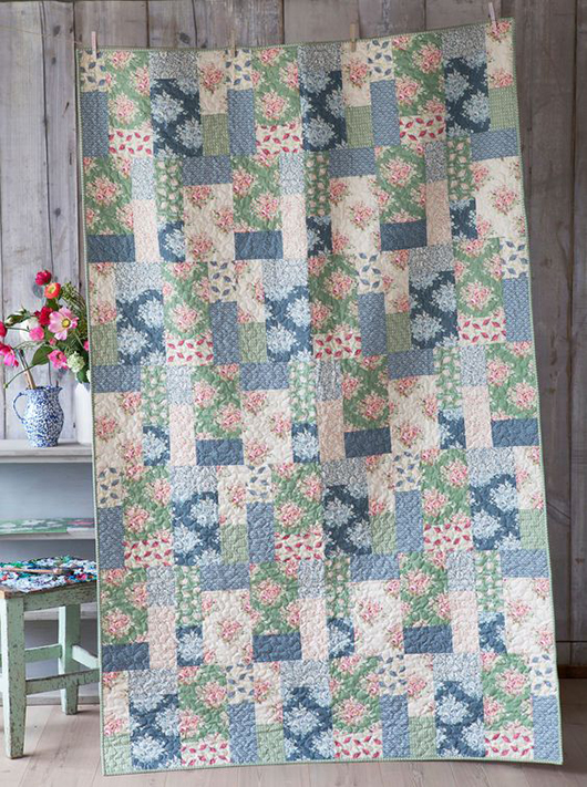 Painting Flowers Quilt Free Pattern Designed By Tone Finnanger of Tildas World