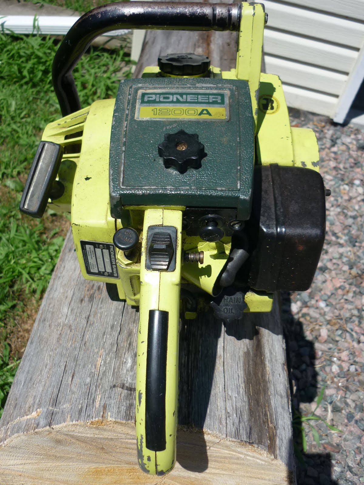 VINTAGE CHAINSAW COLLECTION: PIONEER 1200 A
