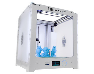 Ultimaker 2 with sample prints
