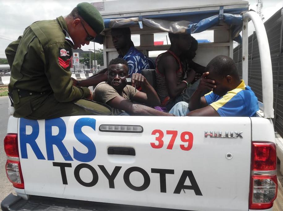 lagos rrs arrest thugs traffic gridlock