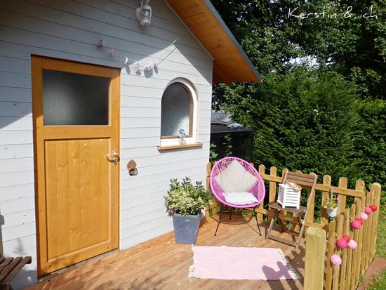 Sommer im Garten Gartenhaus selbst gebaut