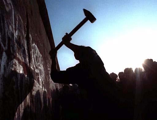 Wall Comes Down Chronozoom Germany