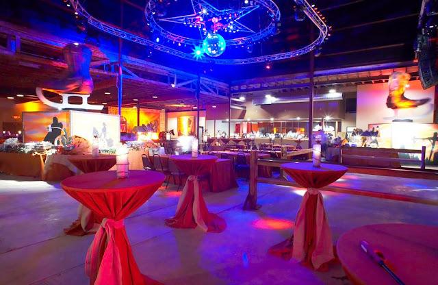 Rustic Wedding Venues In Dfw Gilleys Dallas