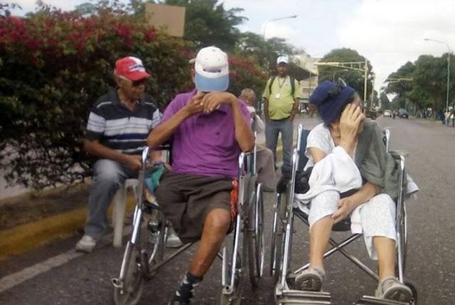 Pacientes crónicos renales protestan por falta de insumos en Barquisimeto