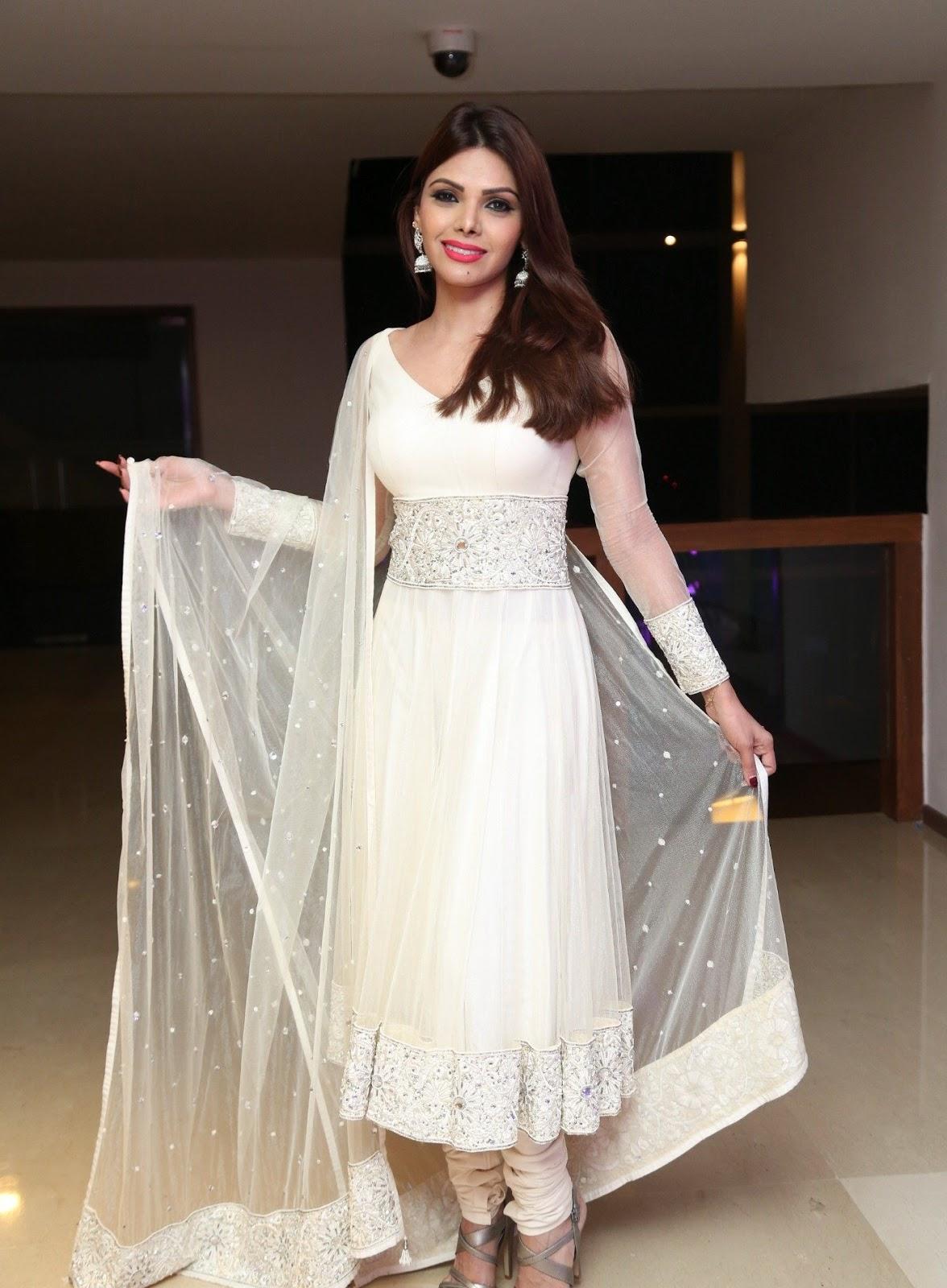 Sherlyn Chopra Looks Super Hot In White Dress At Dj Inayah -6176
