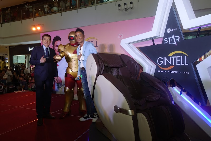 """SIMON YAM HONG KONG ARTIST, """"LET MOM BE A STAR"""" IN CONJUNCTION WITH  MOTHER'S DAY CELEBRATION IN MALAYSIA"""