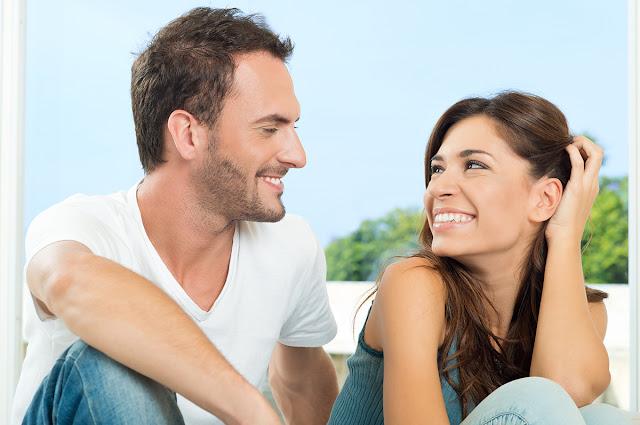 Si tu esposo hace estas 5 cosas, él REALMENTE disfruta de la intimidad contigo