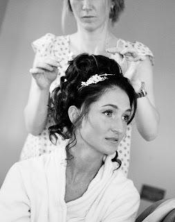 Curled wedding hair, hairstyle, wedding, wedding dress, bridal hairstyle