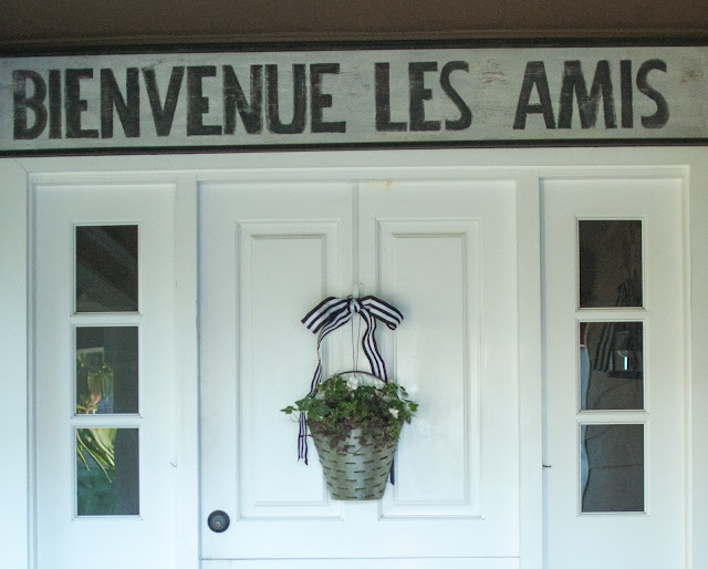 DIY Bienvenue French sign by Gwen Moss