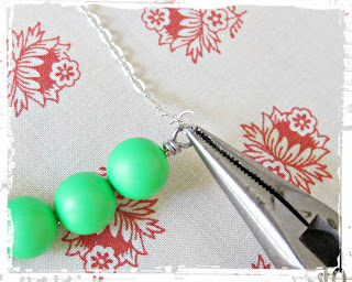 image diy funky neon necklace tutorial bar swarovski crystal pearl green attach chain to bar of beads with jump rings