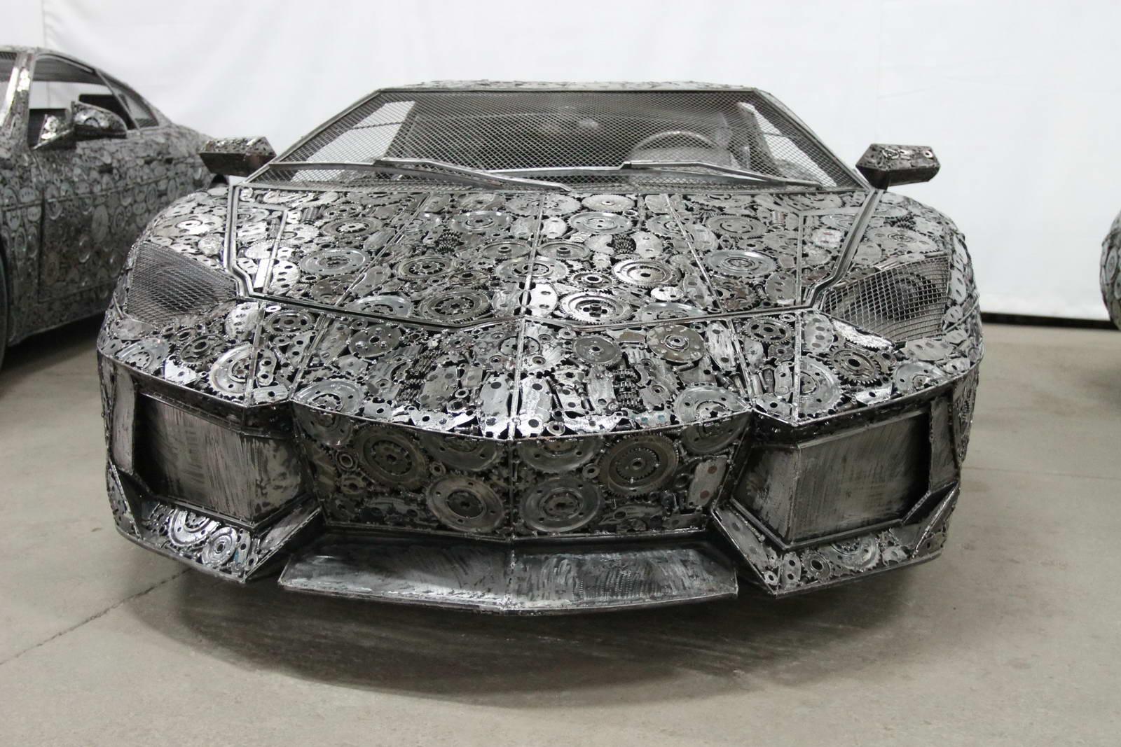 Steel Scrap Metal : Artists recycle scrap metal into amazing life size