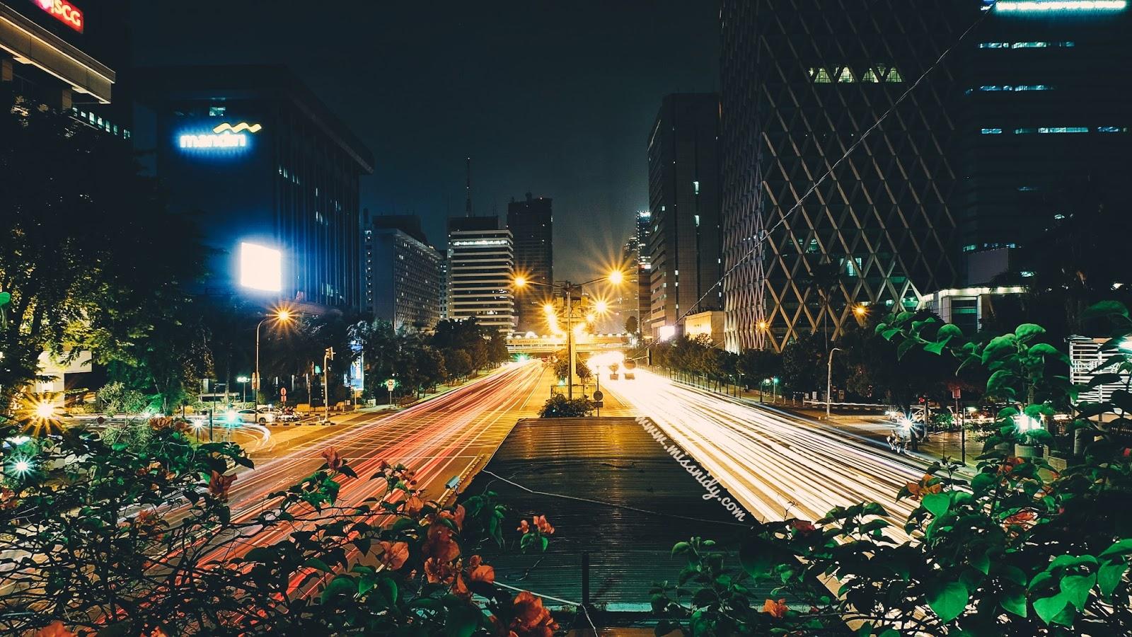 foto light trails di Jakarta