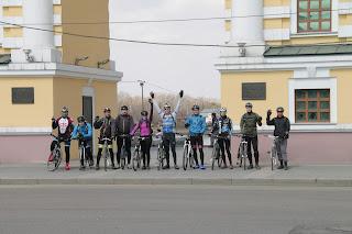 Велосипедисты у Московских ворот