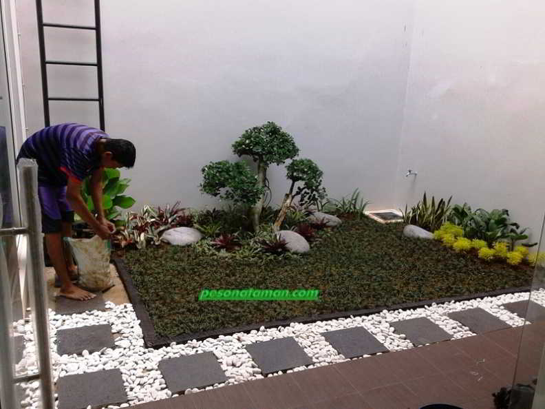 62 Desain Taman Minimalis Kreatif Depan Dalam Dan Belakang Rumah