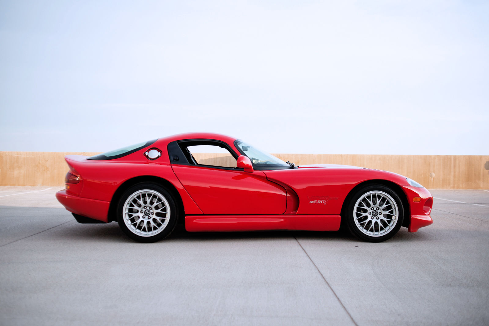 supercharged 2000 dodge viper gts acr shows up on ebay carscoops. Black Bedroom Furniture Sets. Home Design Ideas