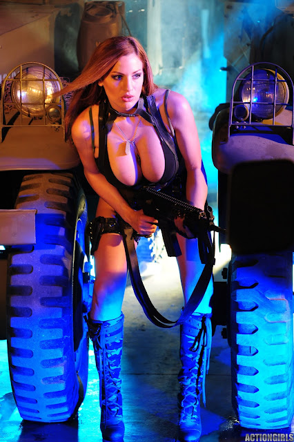 Jordan-Carver-Action-Girl-Photoshoot-Hot-and-Sexy-Pic-44