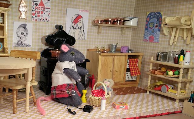 souris mouse cuisine kitchen kilt punk