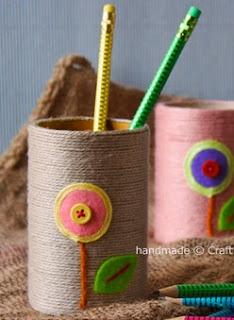 http://manualidadespararegalar.info/como-decorar-portalapices-infantiles-con-fieltro/