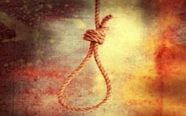 [Video] Ghana man hangs himself, burns car and house