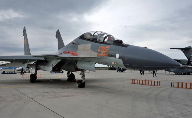 Armenia comprará 12 aviones de combate SU-30