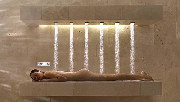 Ecco a voi la doccia orizzontale! coffee break the italian way