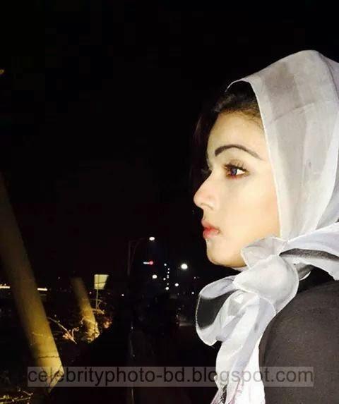 BD Actress Mahiya Mahi Unseen Photos In Hot Hijjab Dress