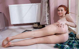 Horny and twerking - Nicole%2BLa%2BCray-S01-023.jpg