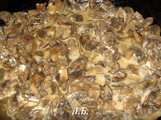 тушение грибов в сметане