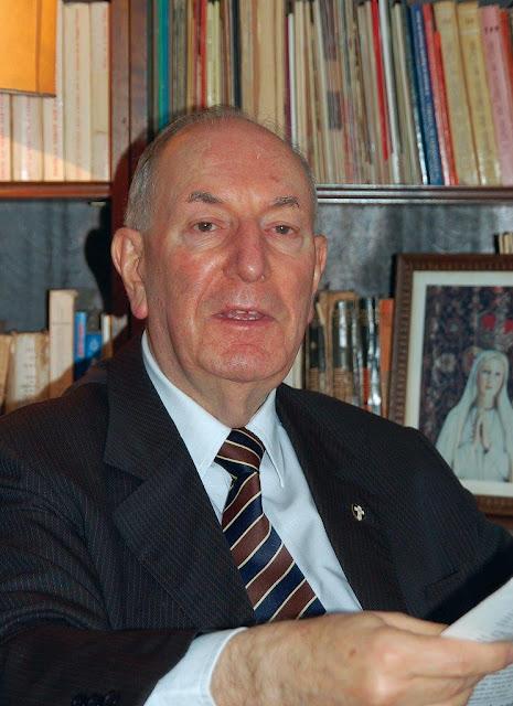 Antonio Augusto Borelli Machado.