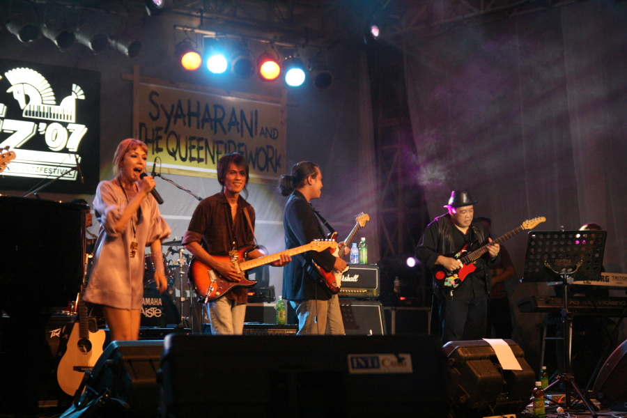 syaharani and queenfireworks jakjazz