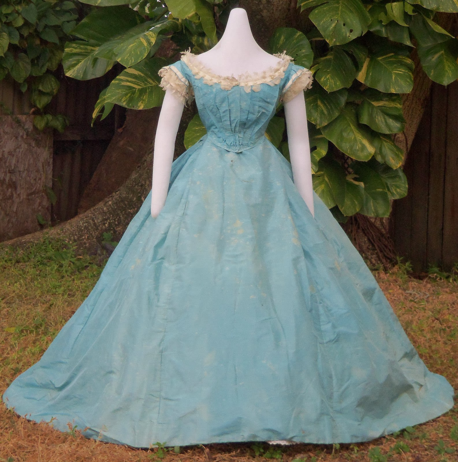 All The Pretty Dresses: American Civil War Era Ball Gown