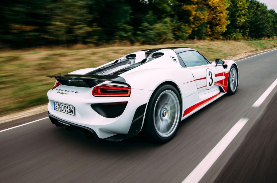 canada autocar 2015 porsche 918 spyder specs features. Black Bedroom Furniture Sets. Home Design Ideas