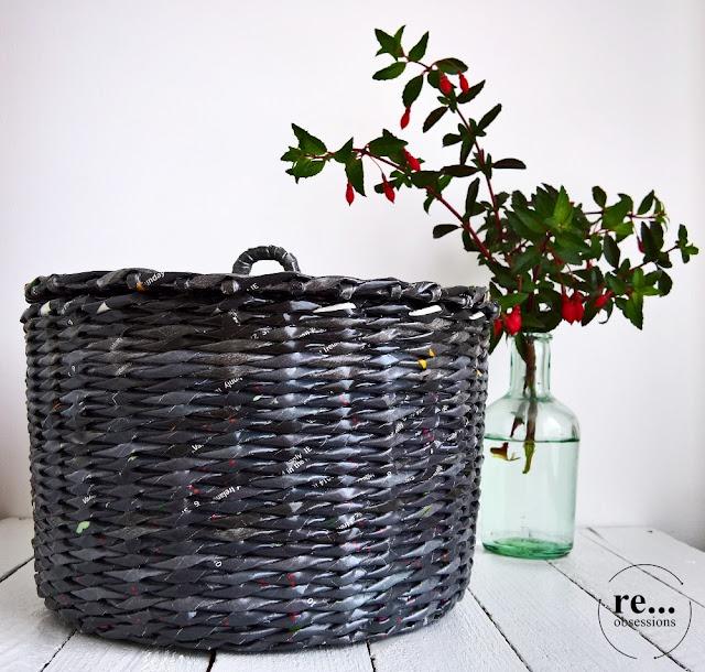 Basket, black, newspaper basket, wicker paper, paper, recycle, upcycle,hand made, papierowa wiklina, koczyk, rękodzieło