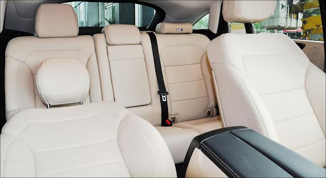 Băng sau Mercedes GLE 400 4MATIC Coupe 2019 thiết kế rộng rãi,thoải mái và ngả ra sau được