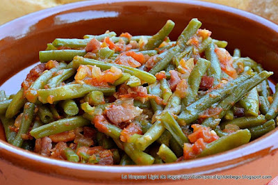 http://laempanalightdebego.blogspot.com.es/2016/08/judias-verdes-con-tomate-y-jamon.html.